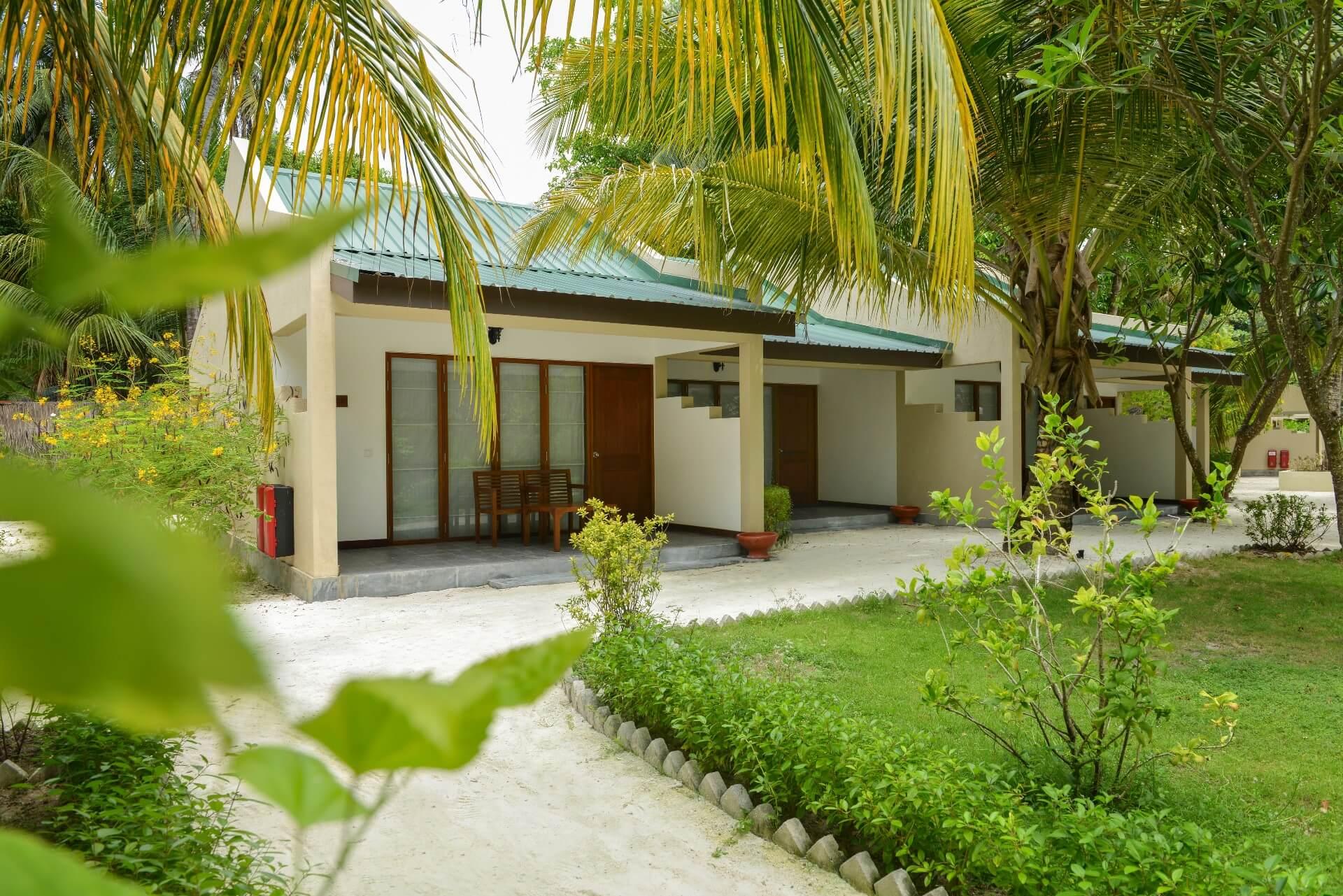 Adaaran Select Hudhuran Fushi, family villas
